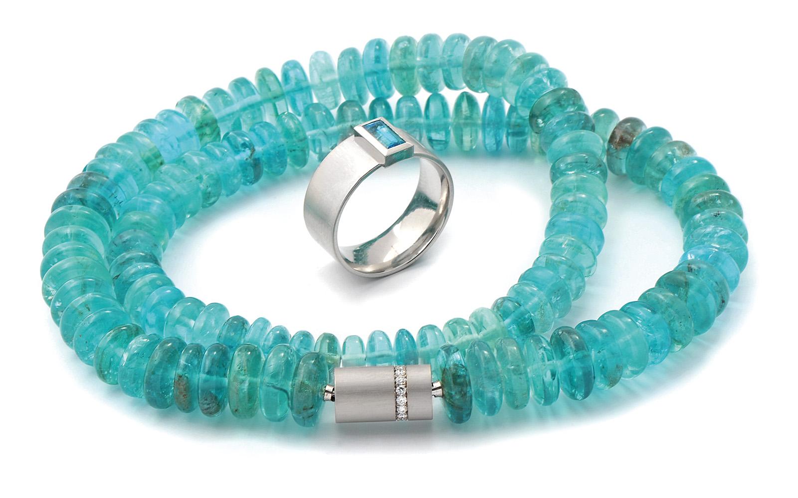 Goldschmiede_Kube_Greven_Steinkette-blau-Ring