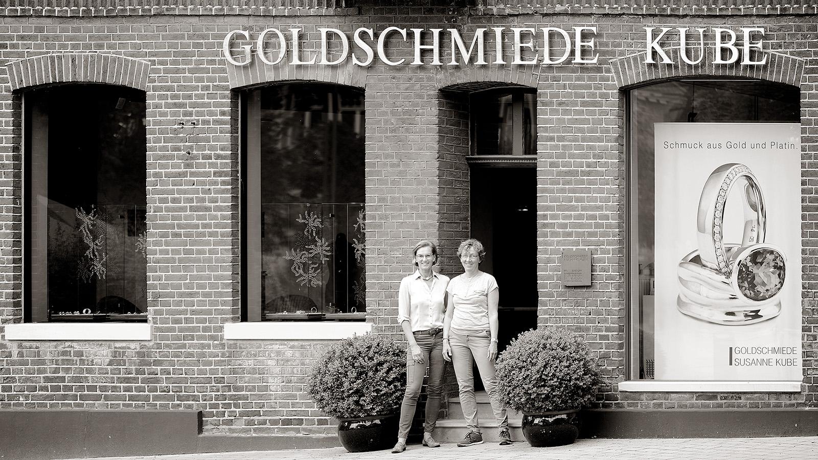 Susanne Kube, Goldschmiedemeisterin und Elke Walter, Goldschmiedegesellin